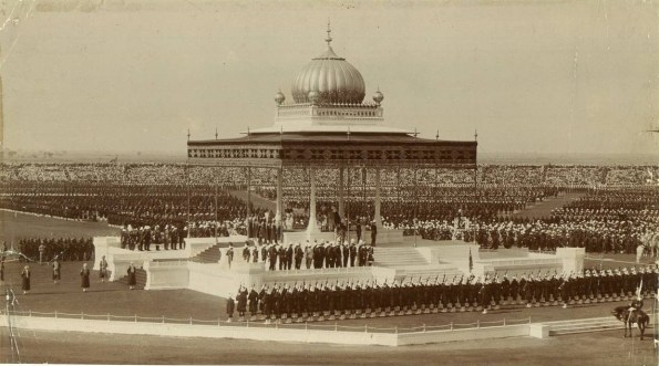 The Delhi Durbar of 1911, with King George V and Queen Mary seated upon the dais.  |  Source - Wikipedia